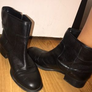 Nine West good condition leather boots